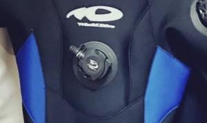 空気を入れる役目 吸気ボタン
