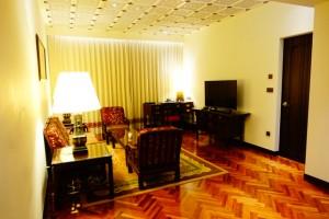 5つ星ホテルのスイートルーム(リビング)